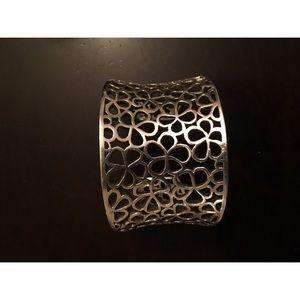 Jewelry - 🛑.975 Sterling Silver cuff.